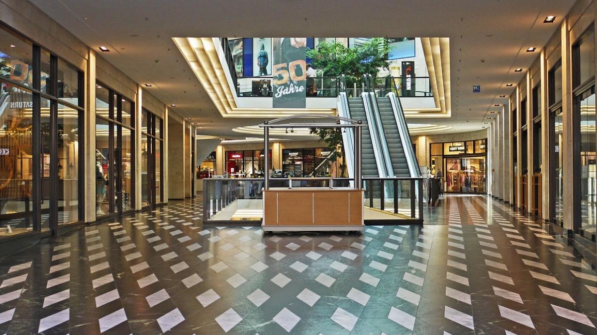 Tiendas en centro comercial