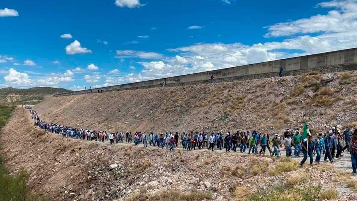 Manifestantes en presa La Boquilla