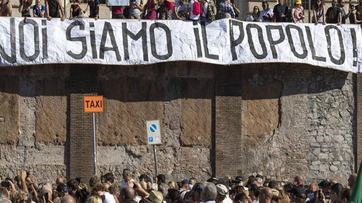 Manifestacion italiana contra cubrebocas