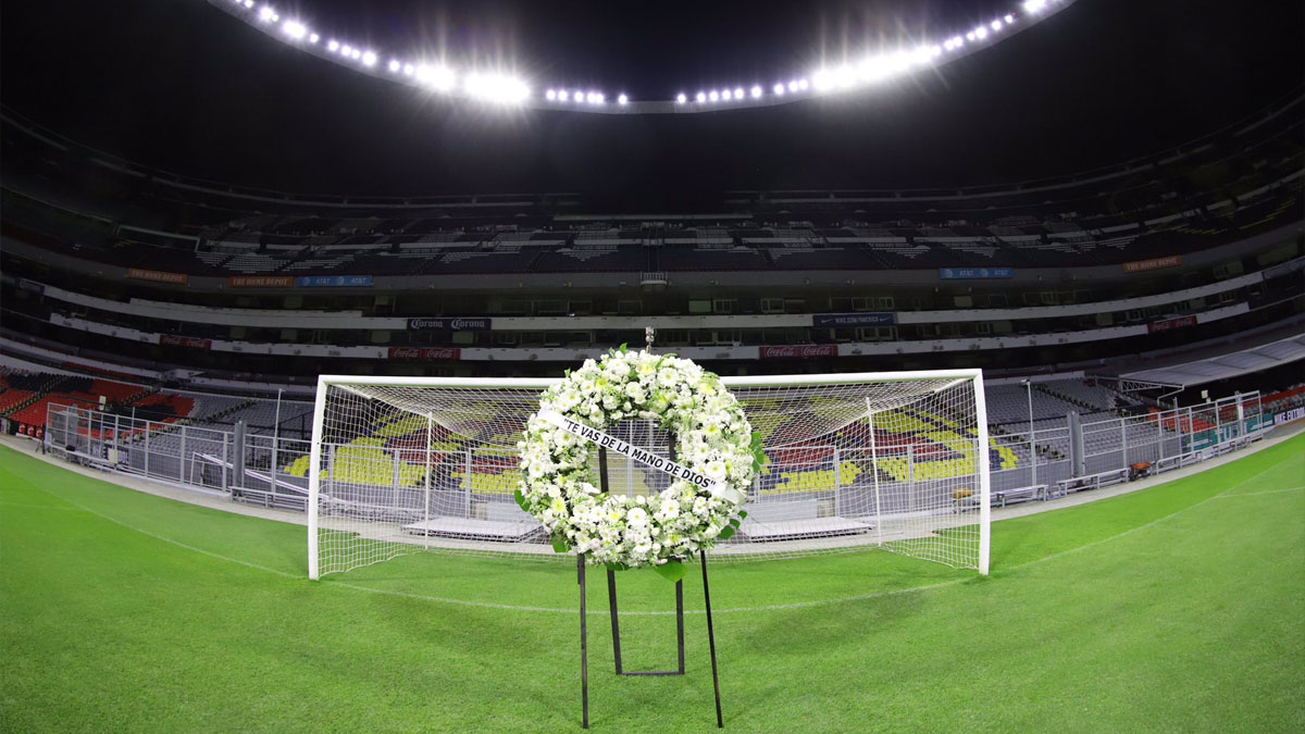 Azteca conmemora a Maradona