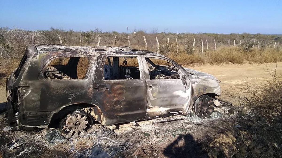 Camioneta calcinada Tamaulipas