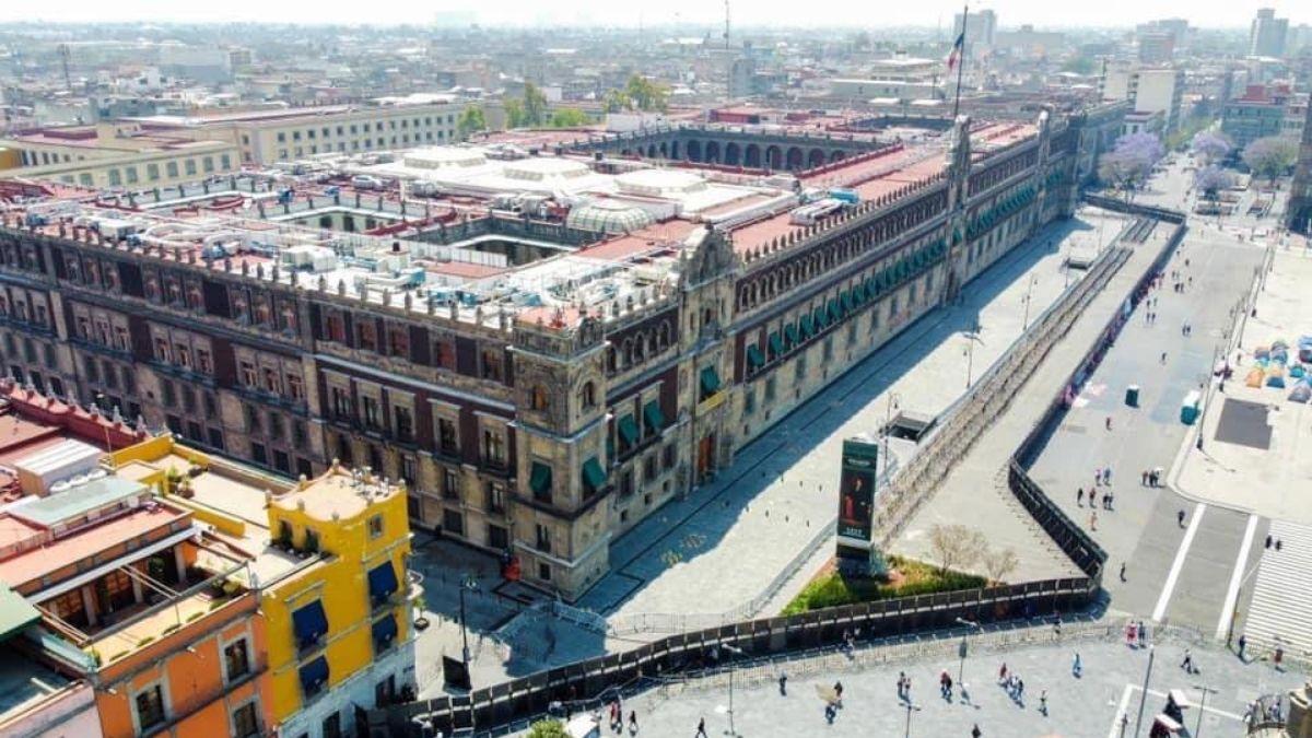 Vallas metalicas Palacio Nacional