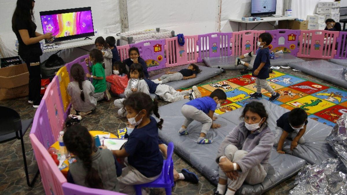 Niños en Fort Bliss