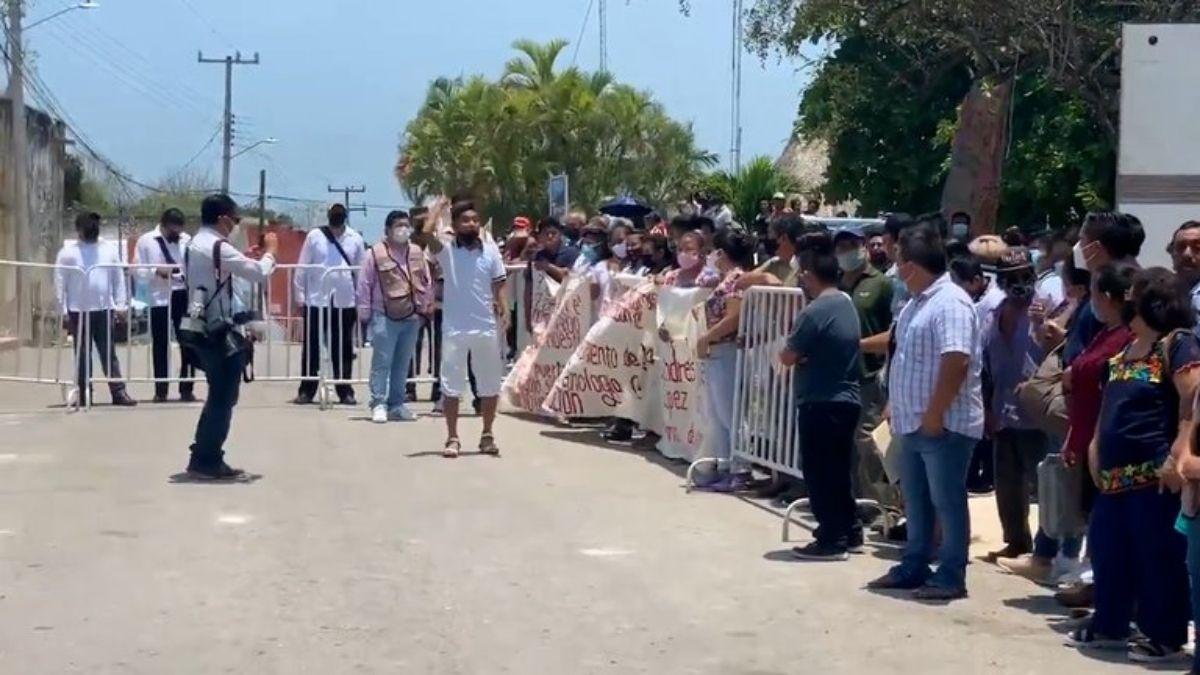 Protesta mayas contra AMLO